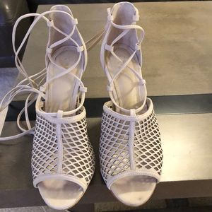 Lace up nude cage sandals size 7